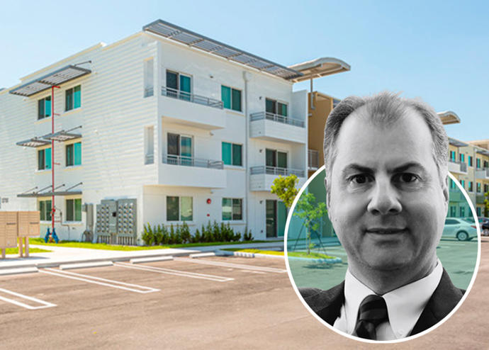 HS Residential Ernesto Lopes and the Deering Groves,
