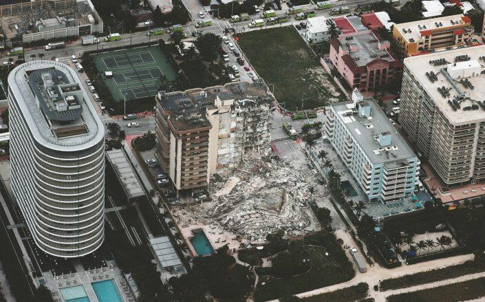 An aerial after the partial collapse of the 12-story Champlain Towers South condo building (Getty)