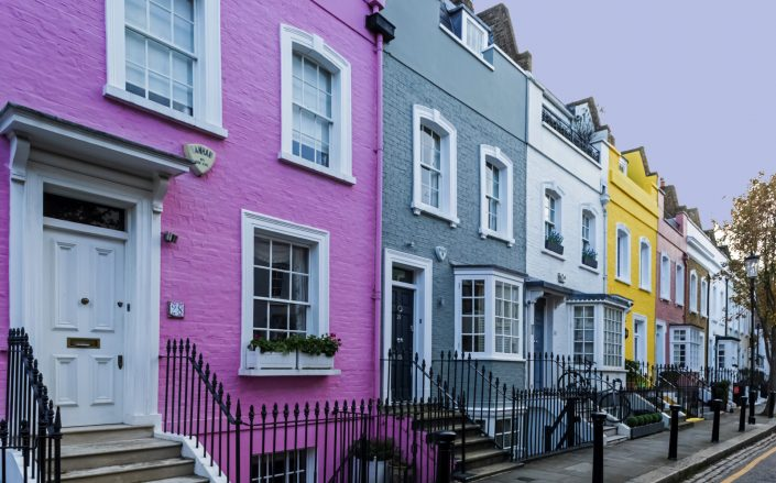 The average price of a London home rose above 500,000 pounds, or roughly $685,000, for the first time. (Getty)