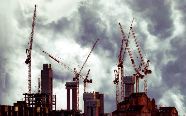 Bad weather was a factor in February's decrease in construction spending. (Getty)