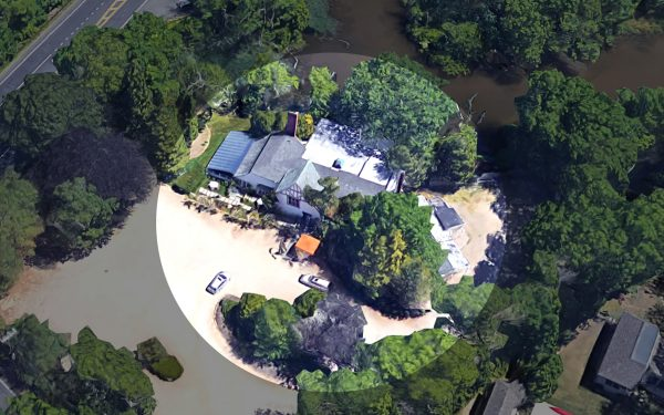 "An aerial of Wainscott Il Mulino (Photo via <a href=""https://www.google.com/maps/place/Il+Mulino+New+York+-+Hamptons/@40.9489974,-72.2405566,119a,35y,35.32h,40.49t/data=!3m1!1e3!4m5!3m4!1s0x89e8bdfcffee8b11:0xdfdd49d0089176c9!8m2!3d40.9496711!4d-72.2395183?hl=en"" target=""_blank"" rel=""noopener"">Google Maps</a>)"