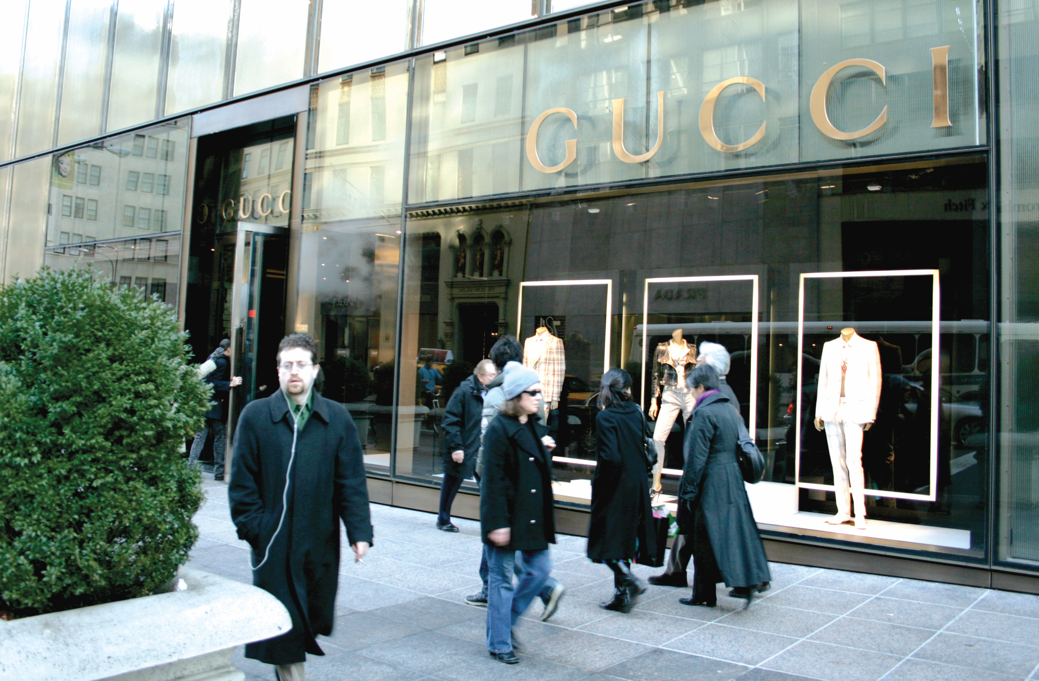 Gucci Pays Homage To Couture