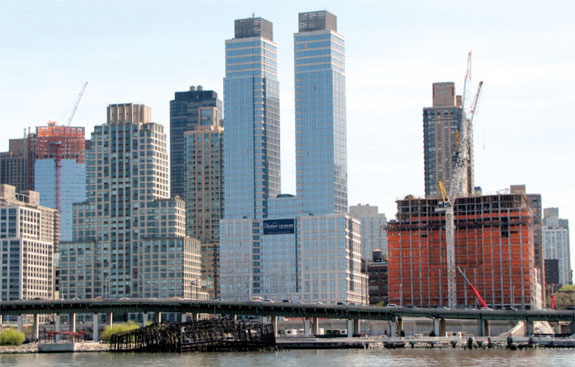 Silverstein-Properties'-Silver-Towers-rental-complex,-where-Citi ...