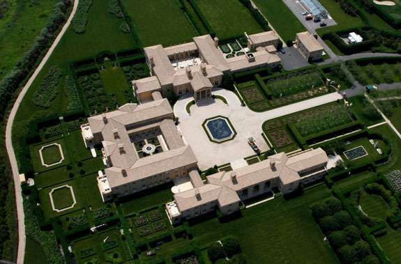 a-tour-of-sagaponack-wouldnt-be-complete-without-a-look-at-junk-bond-king-ira-rennerts-gigantic-house-on-the-waterfront