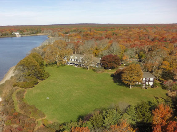 sitting-on-112-acres-of-land-the-property-has-two-lots-the-listing-touts-the-open-lot-as-a-prime-spot-for-a-private-art-gallery-conservatory-spagym-or-guesthouse