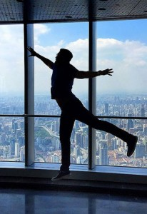 """""""Million Dollar Listing NY"""" star and Douglas Elliman broker Fredrik Eklund in Shanghai"""