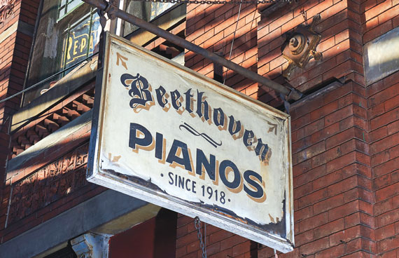 beethoven-pianos