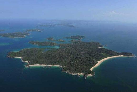 The Cayonetas Islands off the coast of Panama