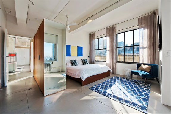 A Manhattan penthouse by Nina Etnier.