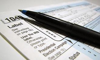 1040 tax form (credit: Free Stock Photos)