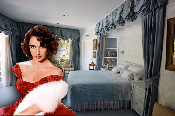 The Blue Room inside Elizabeth Taylor's home ©Catherine Opie, Courtesy of Regen Projects, Los Angeles and Lehmann Maupin, New York & Hong Kong