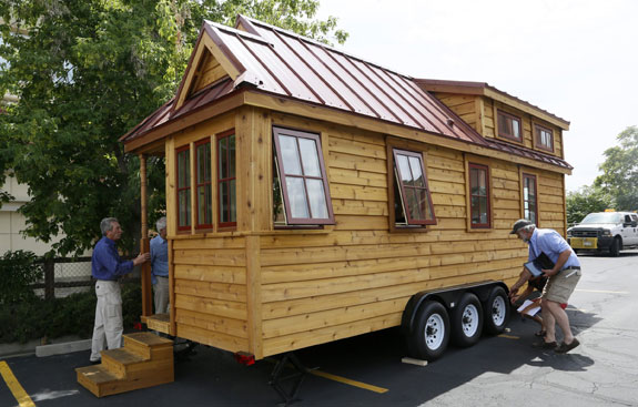 A mobile tiny house. REUTERS/Rick Wilking