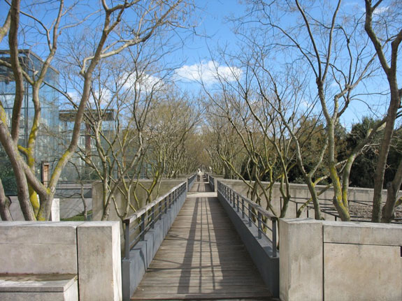 the-red-green-silver-and-gold-gardens-complete-the-parks-serial-theme-visitors-can-use-an-elevated-walkway-to-view-all-of-the-gardens-from-above-and-in-a-linear-sequence-as-they-were-designed