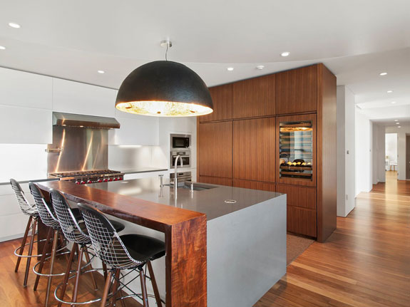 the-state-of-the-art-kitchen-opens-to-the-den