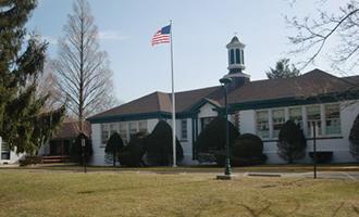 Springs School (Credit: Lisa Seff via Polar Trec)