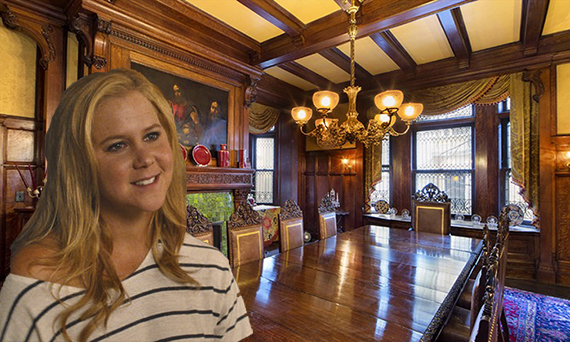 352 Riverside Drive (inset: Amy Schumer) (credit: Universal Pictures)