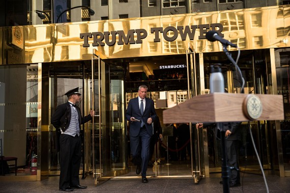 Mayor Bill de Blasio walking out of Trump Tower (Credit: Getty Images)