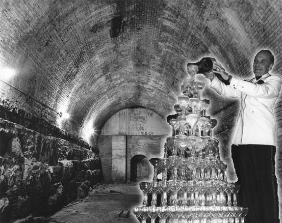 The Oechs Cellars beneath the Brooklyn Bridge
