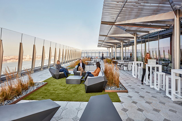 Third space hudson yards nyc office amenities for Outdoor home office buildings