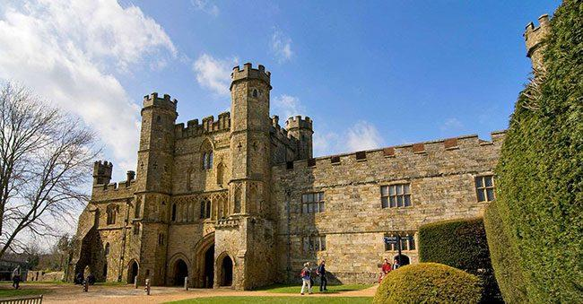 1066-battle-of-hastings-hero-gatehouse