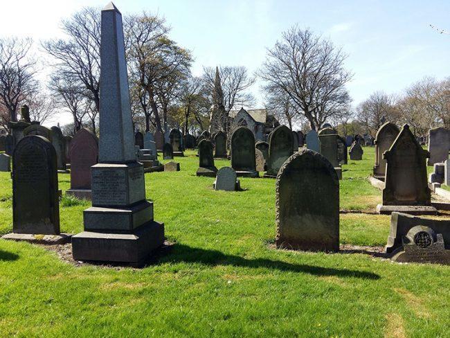grave-1634994_1920