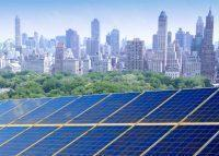 More and more homes across New York City are turning to solar power (Credit: iStock)