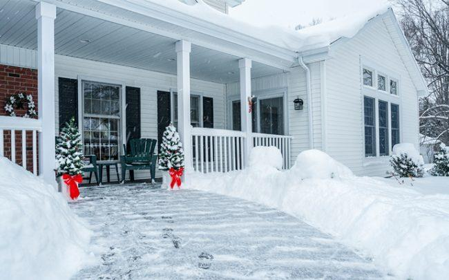 A home in the winter (Credit: iStock)