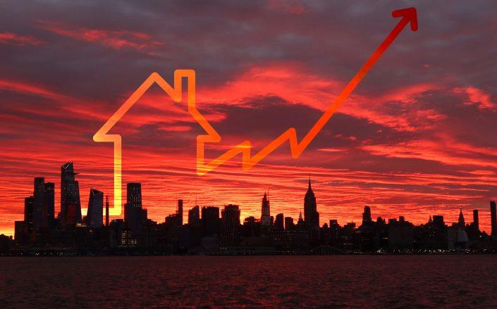 The number of homes newly listed last week in Manhattan rose 39% from the previous week (Credit: Gary Hershorn/Getty Images; iStock)