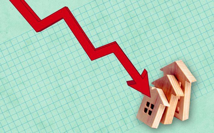 The number of single-family homes on the market hit historic lows in July, driving prices up (iStock)