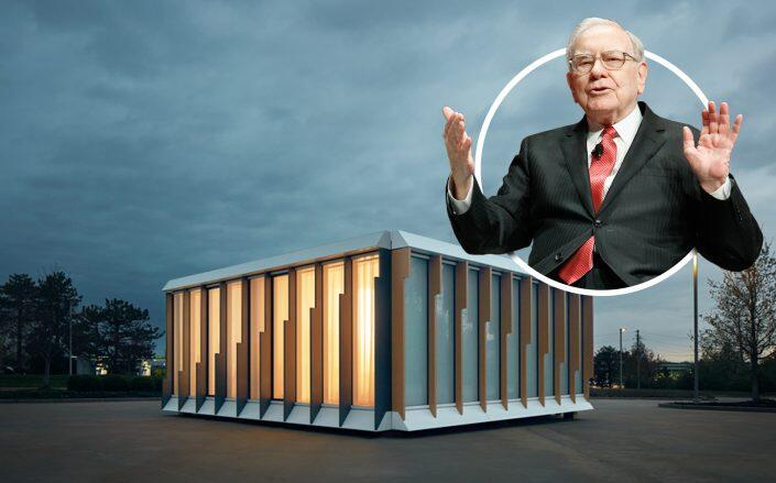 Warren Buffet and a prototype of a MiTek and Danny Forster & Architecture building. (MiTek, Getty)