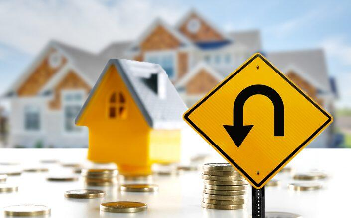 """Slowdown in pending homes sales signals """"turning point"""" for housing market"""