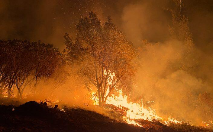 Caldor Fire strengthens with high temps and low humidity; prompts more evacuations