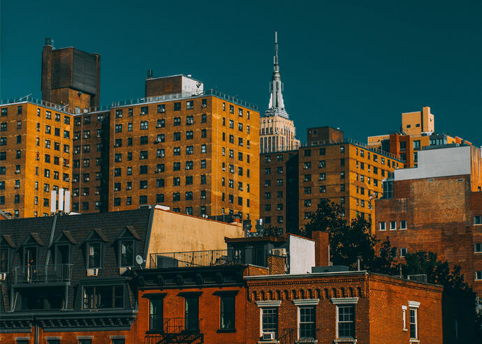 Manhattan Homes Sales Surge in Busiest Quarter Ever